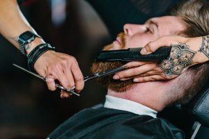 Barba bem feita: passo a passo de como fazer uma